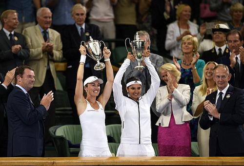 Hingis có cơ hội giương cao cúp lần nữa tại Wimbledon 2015