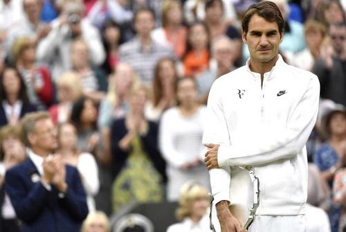 Federer một lần nữa trở thành bại tướng trước Djokovic