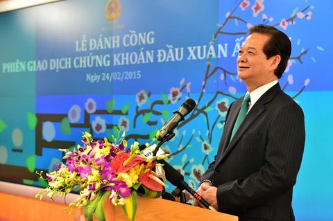 Thủ tướng Nguyễn Tấn Dũng phát biểu tại phiên giao dịch chứng khoán đầu xuân. Ảnh: Nhật Bắc