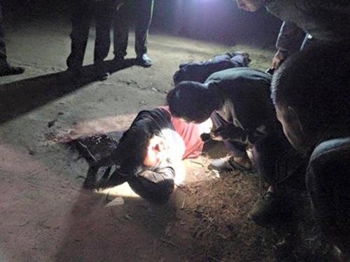 Một đối tượng trộm chó bị dân làng đánh hội đồng