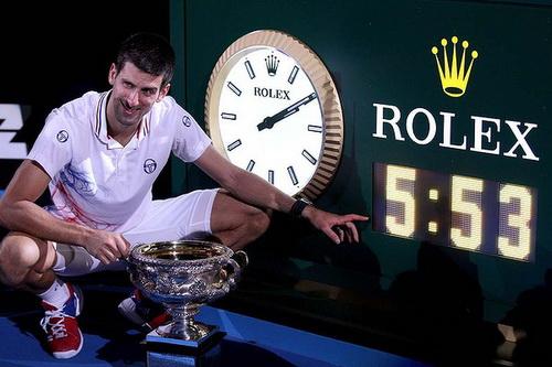 Djokovic sau trận chung kết Úc mở rộng 2012 dài 5 giờ 53 phút