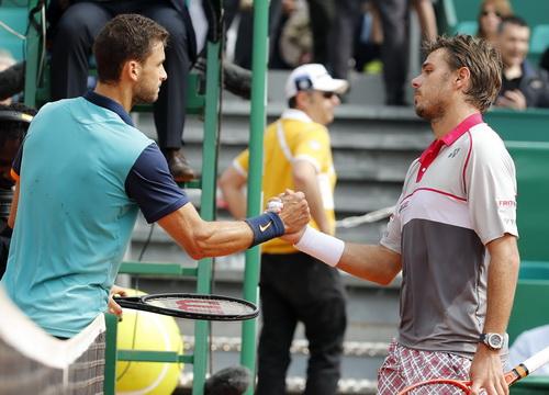 Dimitrov (trái) thắng Wawrinka hai lần trong vòng 3 tuần lễ