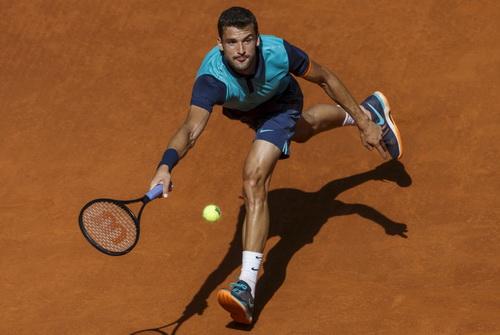 Dimitrov thi đấu thiếu tự tin trước đối thủ đàn anh Nadal