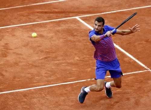 Dimitrov mùa thứ hai liên tiếp chia tay Roland Garros từ vòng 1