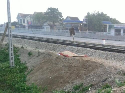 Hiện trường vụ tai nạn người đàn ông bị tàu hỏa tông chết