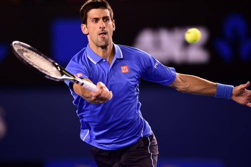 Djokovic mạnh mẽ tiến vào tứ kết
