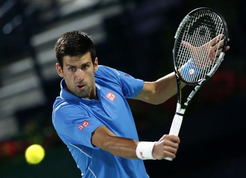 Djokovic vào chung kết với Federer
