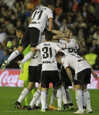 Niềm vui chiến thắng của chủ nhà Valencia