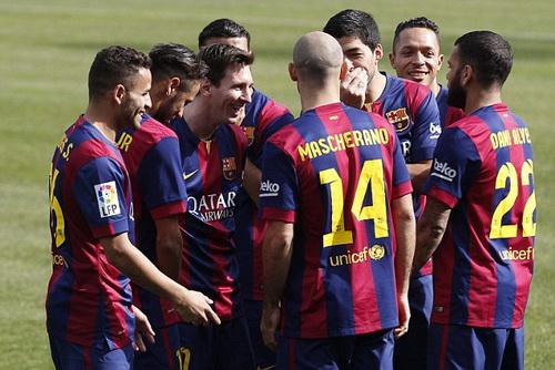 Luis Suarez hòa nhập nhanh với cuộc sống ở Nou Camp