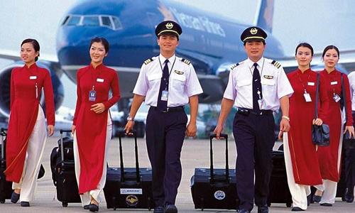 Trang phục hiện tại của phi hành đoàn Vietnam Airlines