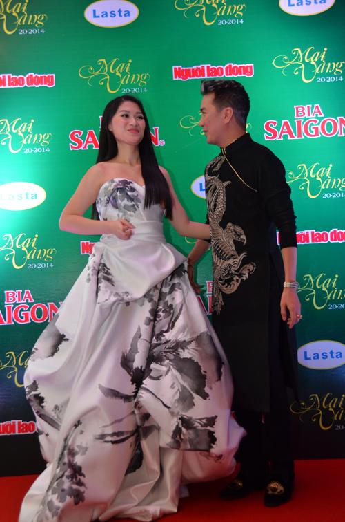 Những trang phục đẹp, độc của sao tại Mai Vàng 2014 - Ảnh 7.