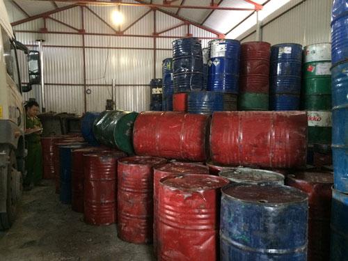 Kho chứa mỡ bẩn tại xã Thanh Cao, huyện Thanh Oai