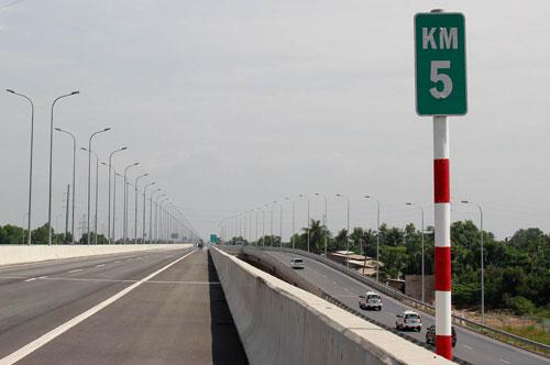 Đường cao tốc Long Thành - Dầu Giây đoạn qua địa bàn TP HCM Ảnh: HOÀNG TRIỀU
