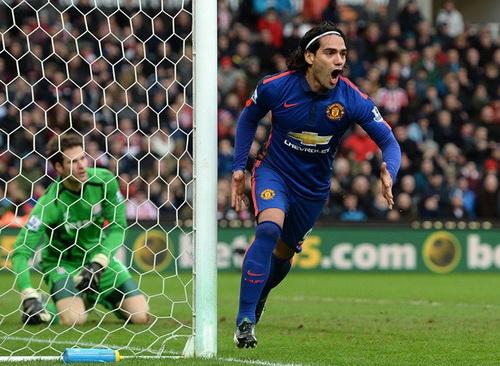 Falcao sau bàn gỡ hòa 1-1 cho Man United