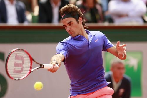Federer phải rượt đuổi tỉ số với Gael Monfils