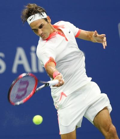 Federer có trận đấu dễ dàng trước Steve Darcis