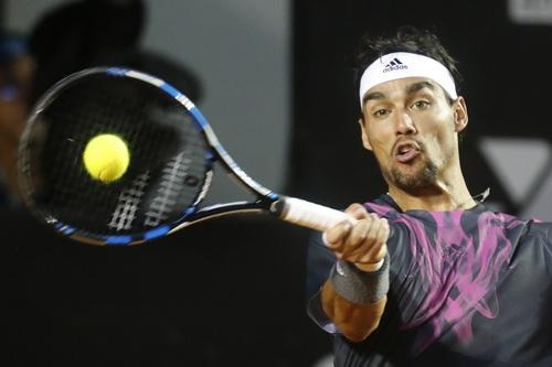 Fognini không thể lần thứ ba trong năm đánh bại được vua sân đất Nadal