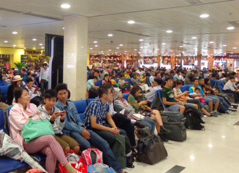 Hành khách đợi đến giờ lên máy bay. Ảnh minh họa