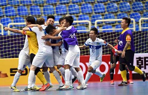 Niềm vui thắng trận của các cầu thủ Thái Sơn Nam Ảnh: Tú Trần