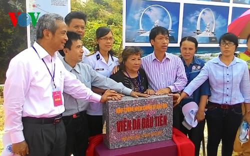 Chủ tịch Tổng LĐLĐ Việt Nam Đặng Ngọc Tùng tại lễ đặt viên đá đầu tiên xây dựng khu tưởng niệm chiến sĩ Gạc Ma