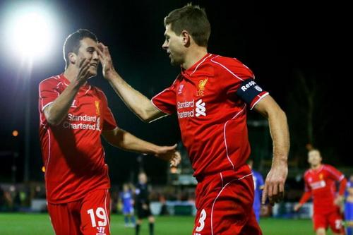 Steven Gerrard ghi cú đúp, đưa Liverpool vào vòng 4 FA Cup