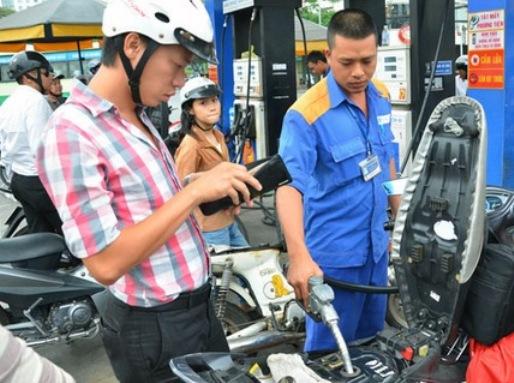 Bộ Công Thương ngày 13-4 quyết định giữ nguyên giá xăng dầu