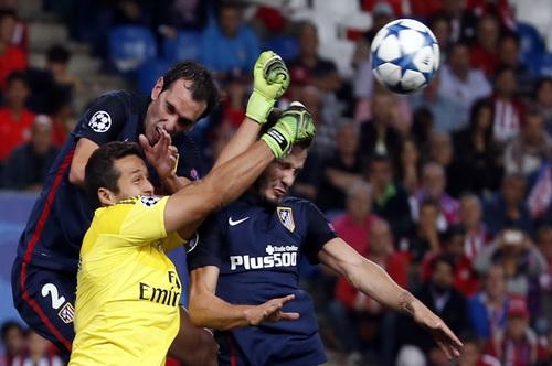 Trung vệ Diego Godin (Atletico) rất giỏi không chiến