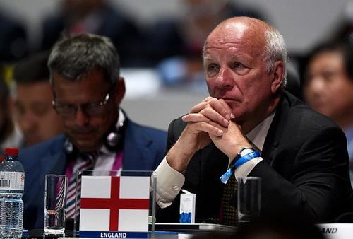 Chủ tịch LĐBĐ Anh Greg Dyke khẳng định Anh không tẩy chay bất kỳ giải đấu nào của FIFA