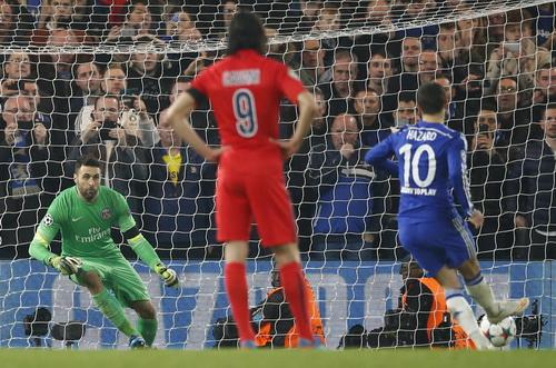 Hazard ghi bàn từ chấm 11 mét