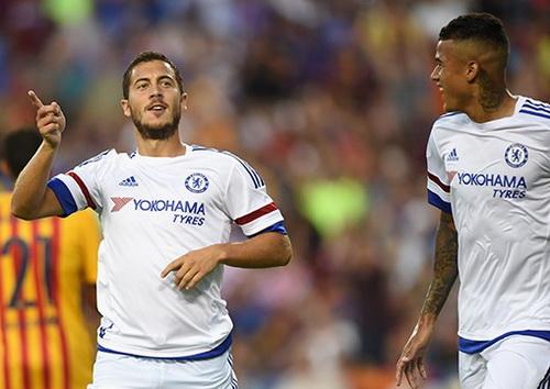 Eden Hazard mở tỉ số cho Chelsea bằng bàn thắng đẳng cấp