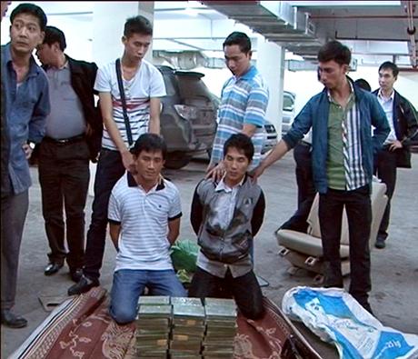 Sình A Lầu và Boun Keut khi bị bắt giữ