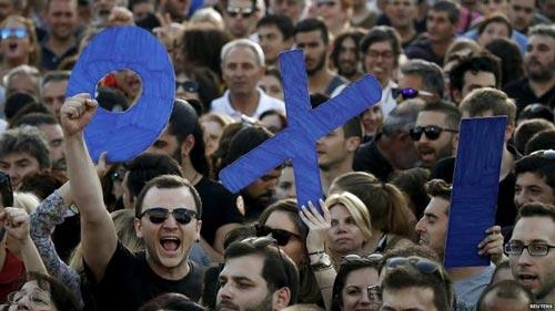 Phe phản đối Athens nhận cứu trợ tài chính Ảnh: REUTERS
