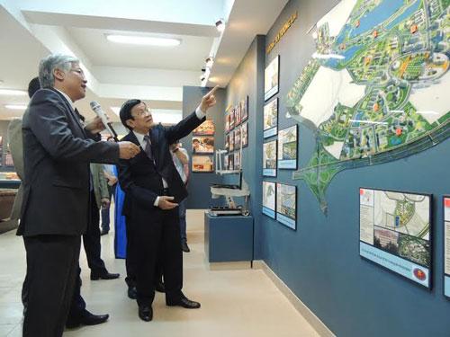 Chủ tịch nước Trương Tấn Sang thăm mô hình Khu Đô thị ĐH của ĐHQG TP HCM