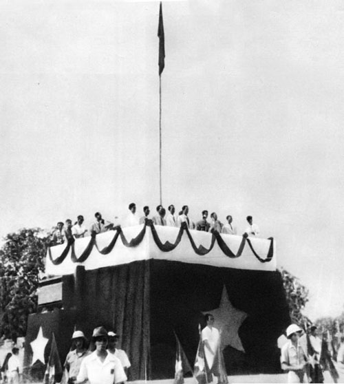 Lễ đài nơi Chủ tịch Hồ Chí Minh đọc Tuyên ngôn độc lập vào ngày 2-9-1945, khai sinh nước Việt Nam Dân chủ Cộng hòa  Ảnh:  TƯ LIỆU