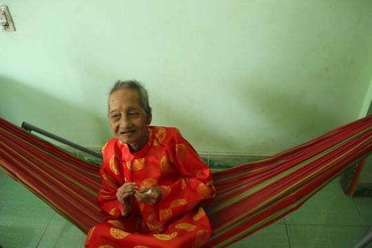Giám định tuổi Cụ bà Việt Nam thọ nhất thế giới