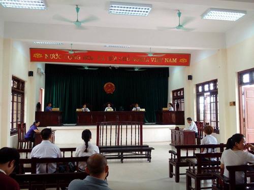 Phiên tòa xét xử vụ án mua bán trẻ em xảy ra tại chùa Bồ Đề đã phải hoãn vì vắng mặt nhiều thành phần liên quan