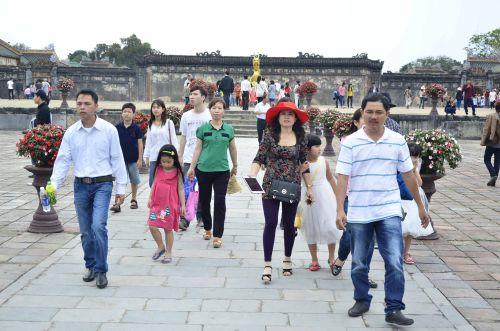 Đại Nội Huế mở cửa miễn phí, nhiều người đến tham quan