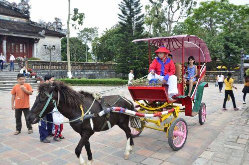 Dịch vụ xe ngựa thời xưa được ưa chuộng