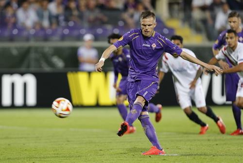 Josip Ilicic sút hỏng phạt đền, thêm phần bi kịch cho Fiorentina