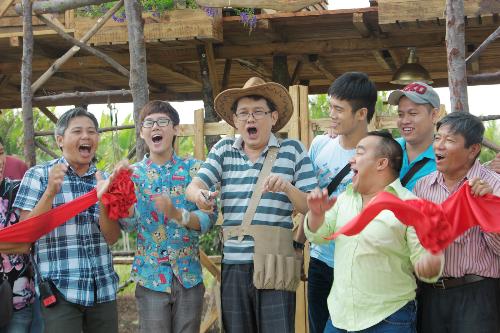 NSƯT Hữu Châu trong vai ông già vui tính (phim Bếp của mẹ)