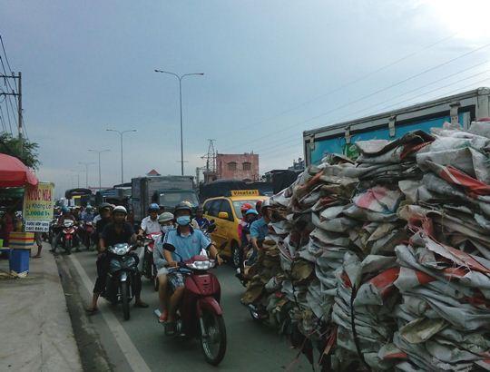 Vụ tai nạn làm giao thông ùn ứ kéo dài trên Quốc lộ 1