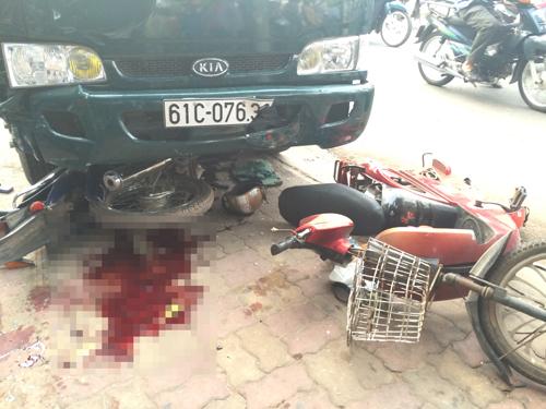 Hiện trường vụ tai nạn khiến một người tử vong, một người nguy kịch