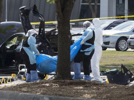 Thi thế 2 kẻ tấn công ở Texas Ảnh: REUTERS