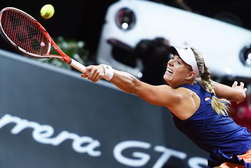 Kerber ngược dòng ngoạn mục, hạ đương kim vô địch Sharapova