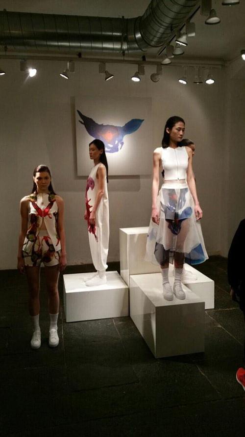 Kha Mỹ Vân trong một mẫu thiết kế của thương hiệu Label 2 Ảnh: Quỳnh Trang