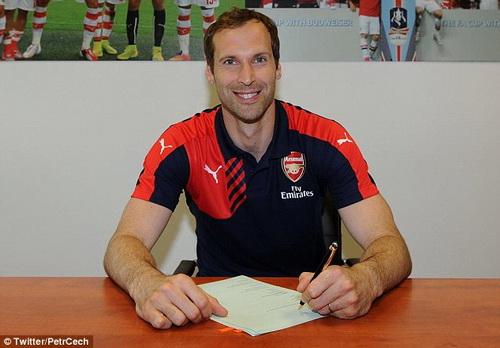 Cech ký hợp đồng với Arsenal chiều 29-6
