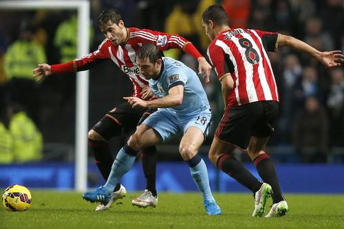 Lampard ấn định chiến thắng nhọc nhằn 3-2 cho Man City