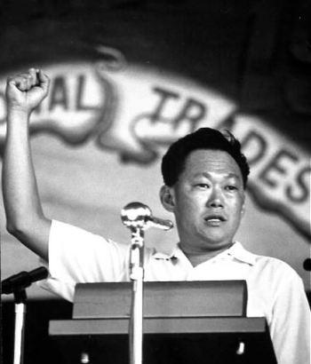 Ông Lý Quang Diệu vào năm 1965. Ảnh: SINA