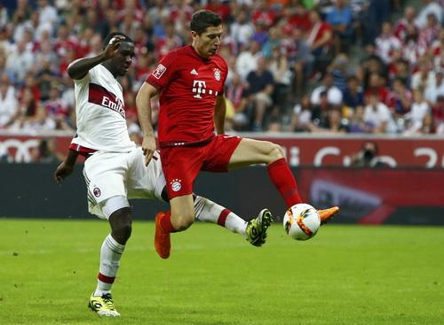 Lewandowski ấn định chiến thắng 3-0 phút 85 cho Bayern