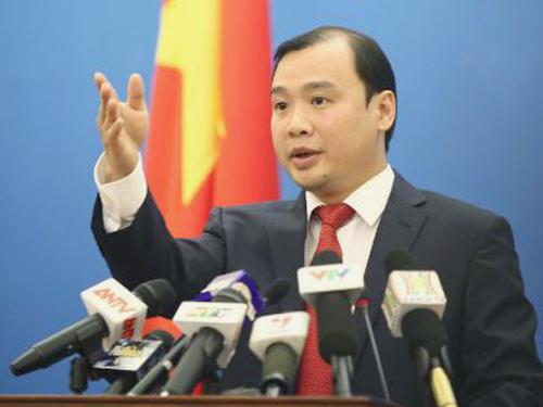 Người phát ngôn Bộ Ngoại giao Lê Hải Bình trả lời câu hỏi về việc Trung Quốc đưa vũ khí lên đảo nhân tạo thuộc quần đảo Trường Sa của Việt Nam